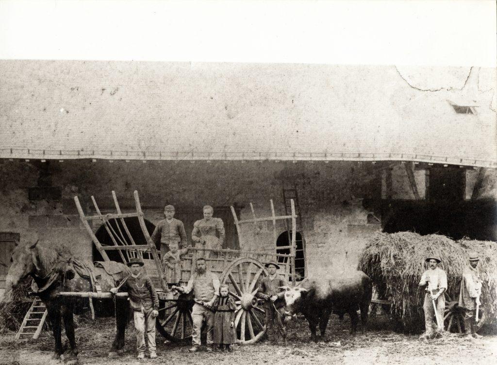 Château du Bâtiment (Ferme du Marronnier) - Famille Durand, stockage de la paille